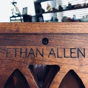Ethan Allen wall shelf / plate display
